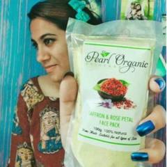 Pearl Organic Natural Petal Face Pack Review by Sowburnika 1